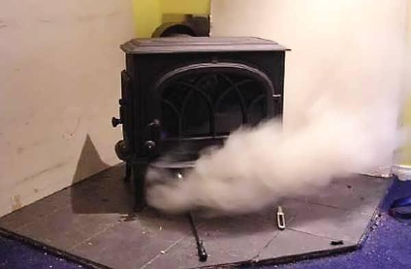 печка дымит что делать